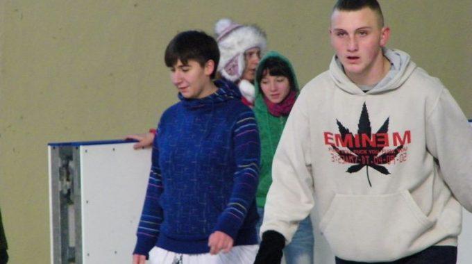 25 – Lodowisko
