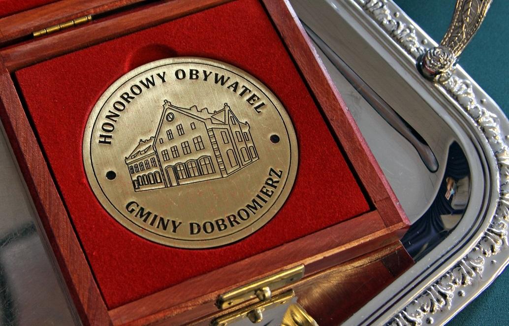 Ks. Proboszcz Z Tytułem Honorowego Obywatela Gminy Dobromierz